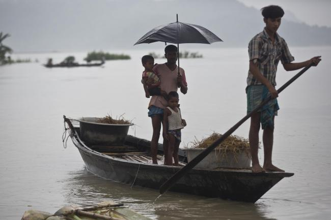 Heavy rain leaves scores dead in Nepal, India and Bangladesh