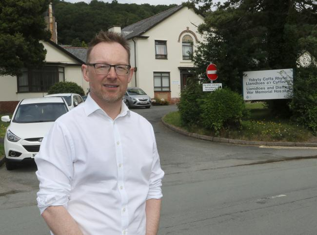 Russell George AM outside Llanidloes Hospital. Picture by Phil Blagg..PB373-2019.