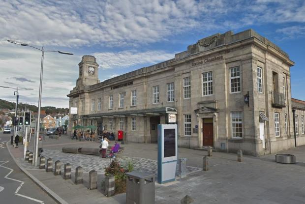 County Times: The Weatherspoon's pub at Aberystwyth where Maria Beth Stephens, from Llanidloes, was abusive to staff while carrying a knife. Picture: Google Street View