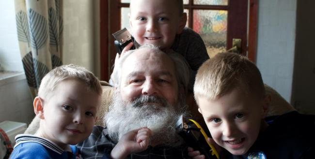 Grandkids Tomi, Dylan and Fredie get ready to shave off grandad Ian's hair for charity; a year on from his wife's death.