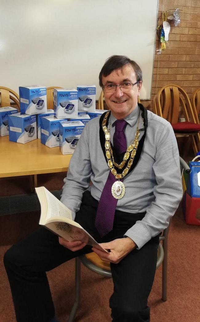 Cllr David Selby gets a blood test at Newtown Library.
