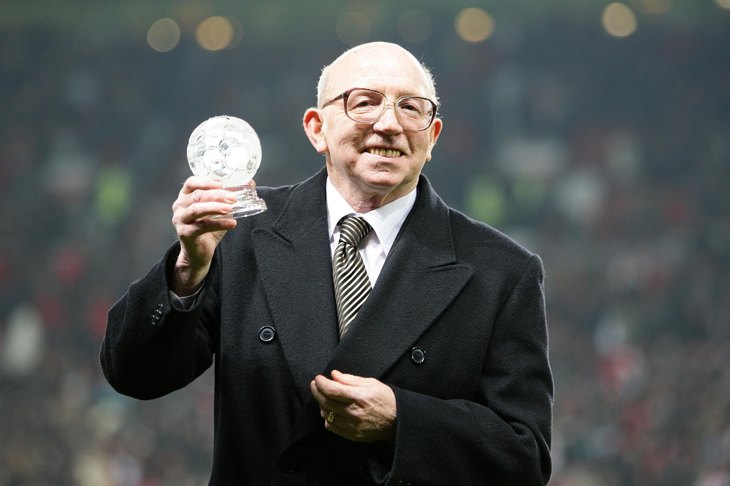 Heart and soul' of England's World Cup winners Nobby Stiles dies aged 78 |  County Times