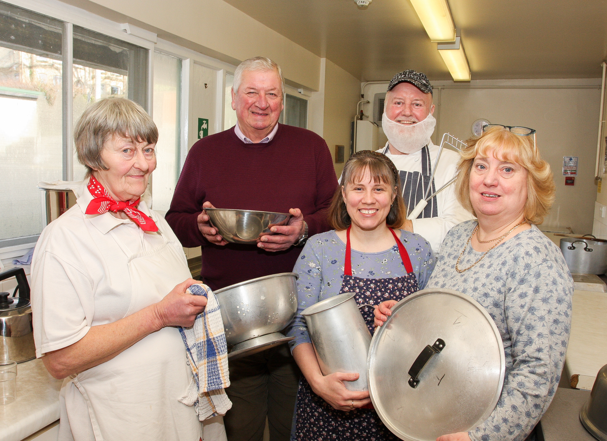 The five cooks that take it in terns to cook each week. They include Ann Weir, Neville Farmer, Tenille Downy, Bob Dunnett and Christine Phillips. Picture: Ernie Husson
