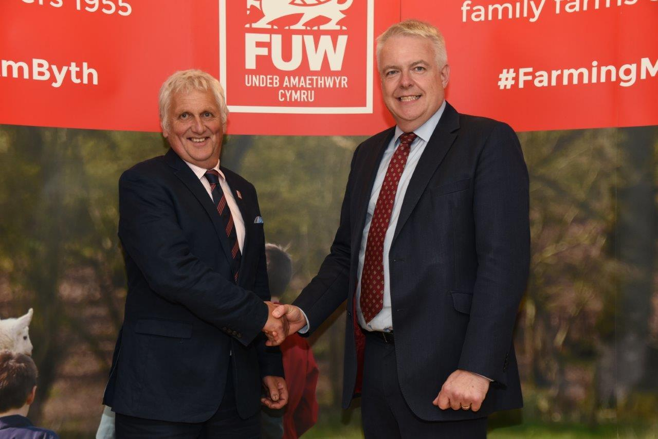 FUW president Glyn Roberts and First Minister Carwyn Jones at the FUW annual meeting.