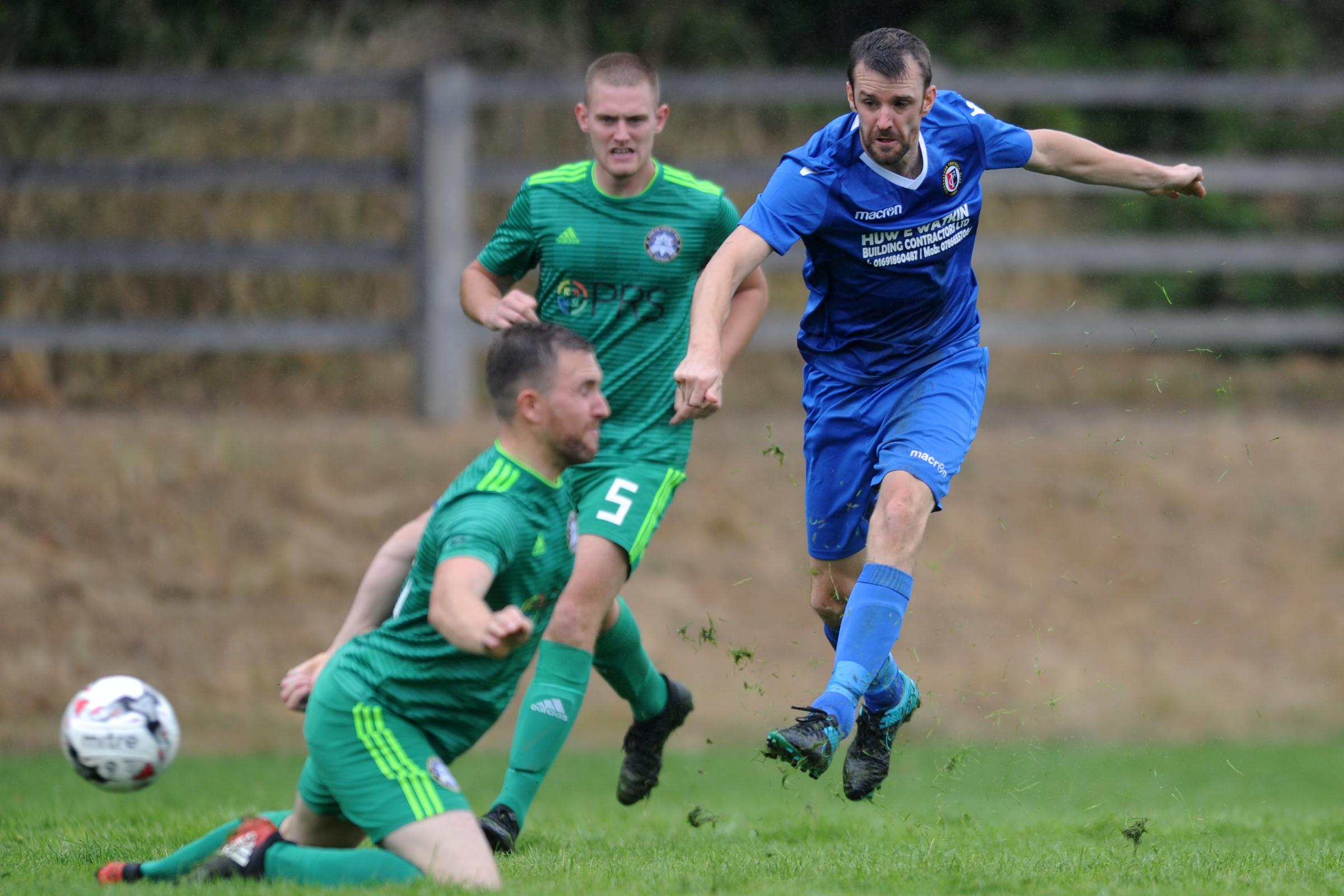 11/8/2018 - Marc Griffiths shoots during the Huws Gray Alliance fixture between Llanrhaeadr and Rhyl at Treflan, Llansantffraid,..Pic: Mike Sheridan/County Times.MS207-2018.