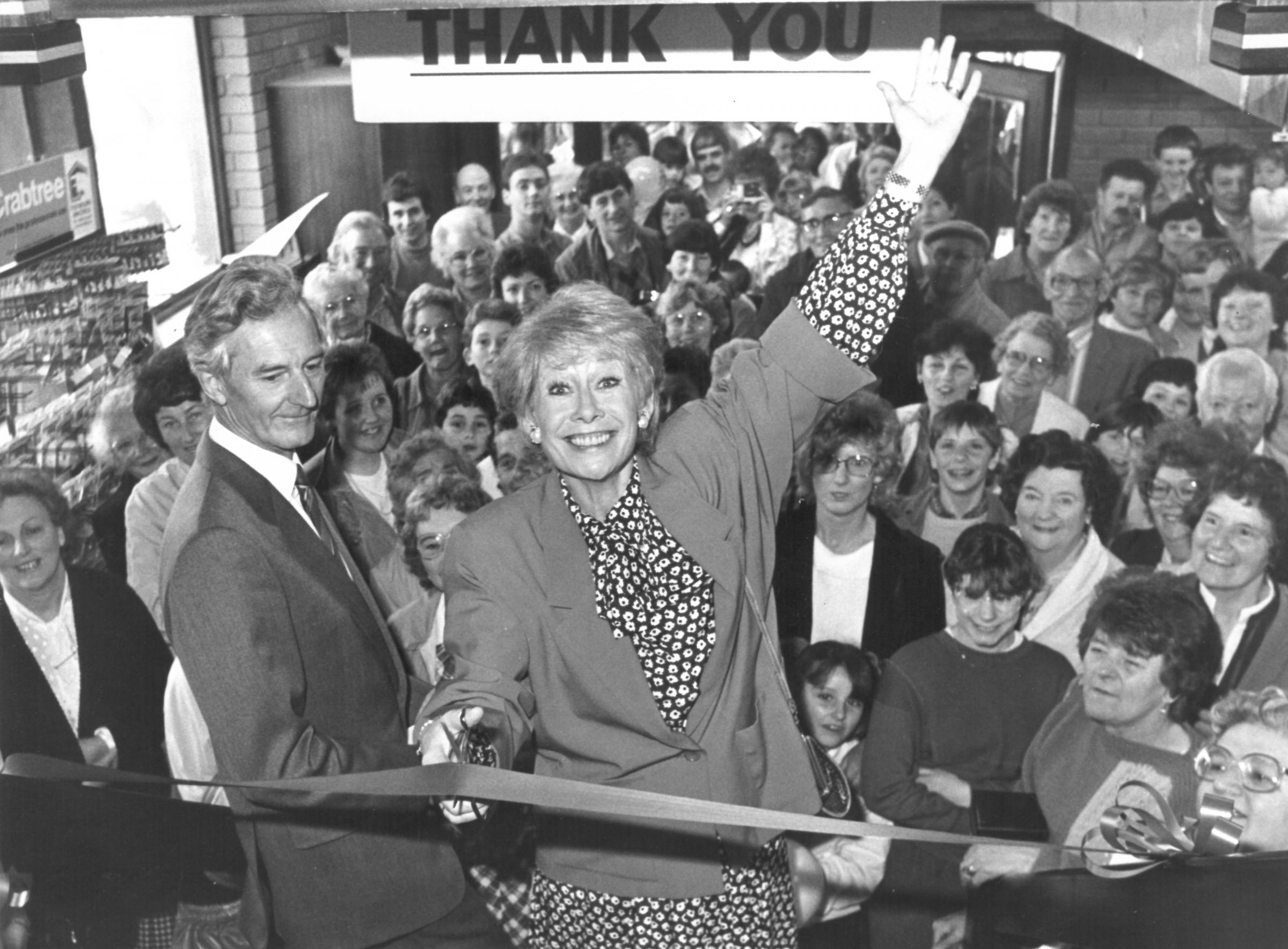 Elizabeth Dawn opening Boys and Boden's new kitchen and bathroom showroom in Welshpool in 1987.