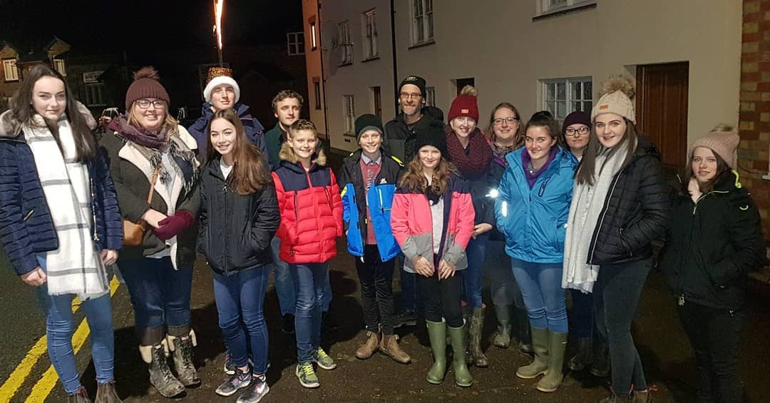 Llidiartywaen YFC carol singers raised more than £2,150 for Versus Arthritis and Bronglais Chemotherapy Unit.