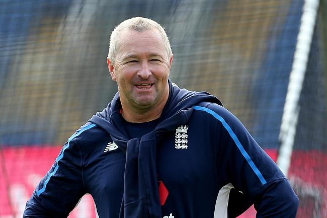 Paul Farbrace is to leave his England role and join Warwickshire