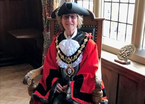 Cllr Janet Crisp is again Mayor of Llanidloes nominated mayor for 2019-20, at a Mayor Making ceremony on Friday, May 10, at the Council Chamber wearing a tricorn hat bequeathed by the late Lady Hooson.